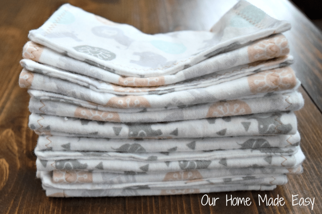 Here is an easy guide to making your own burp cloths! They are super simple and perfect for beginners. Click to see the steps and pictures!