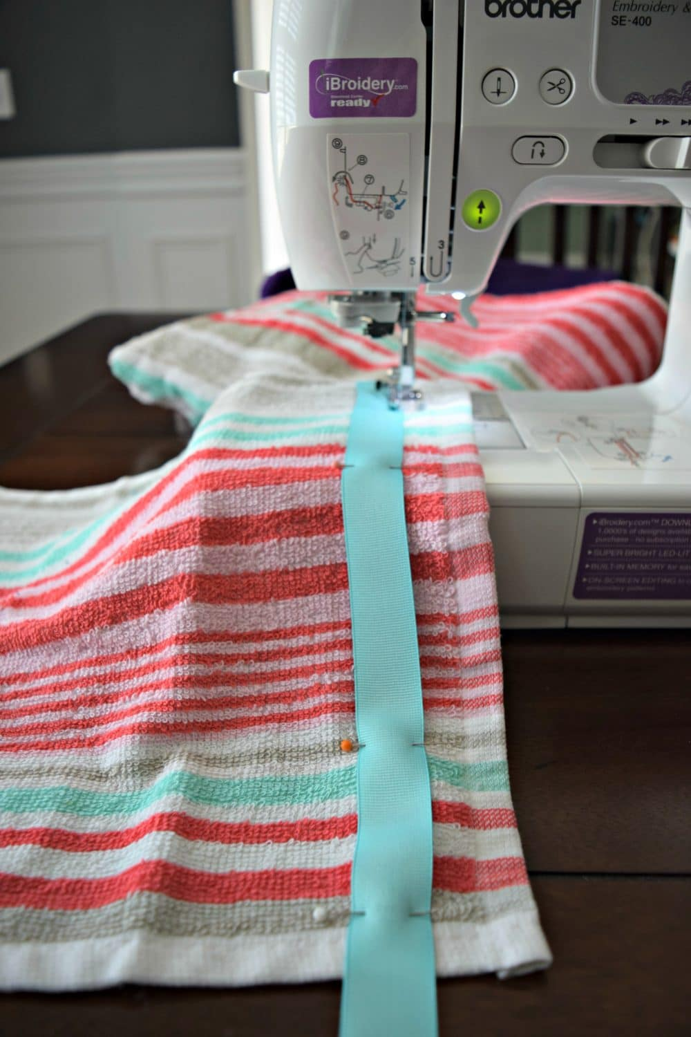 An easy step by step tutorial for how to make a hooded towel for little kids! Super easy. Click to see the steps