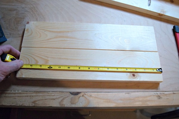 Drill the pocket holes into the pre-cut pieces of wood for your DIY wood tray