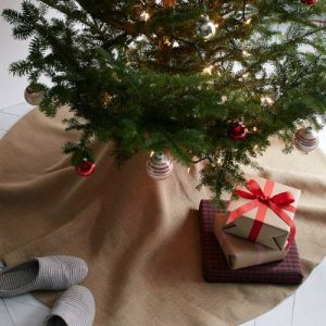 A classic burlap tree skirt is simple and chic