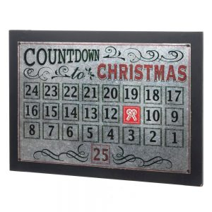 This rustic Christmas countdown calendar is the perfect way to celebrate the Christmas season