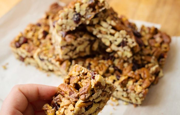 Easy & Healthy Nut Bars anyone can make! Click to see the recipe.