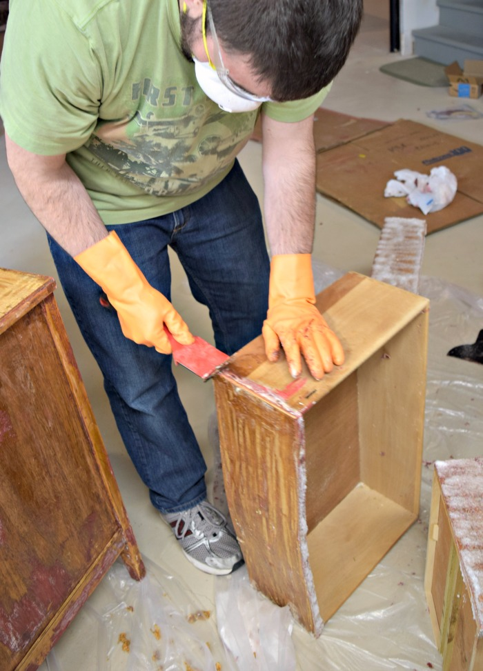 How To Remove Paint And Varnish From Wood Furniture Click See Do