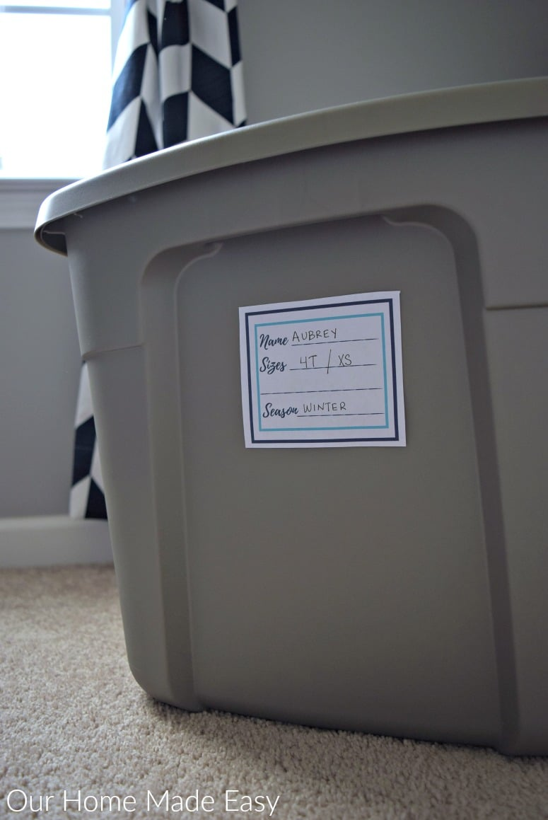 Use these free printable organizing labels to organize children's clothing as you store it away for the seasons