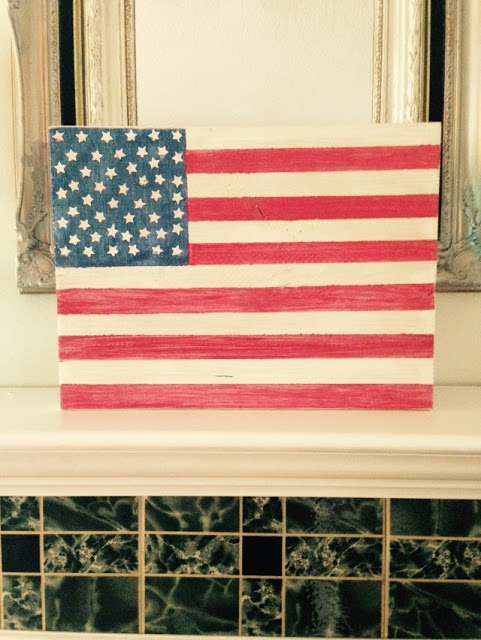 Make this wood flag with this easy 4th of july craft tutorial