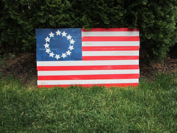 recreate a pottery barn favorite with this wooden flag tutorial