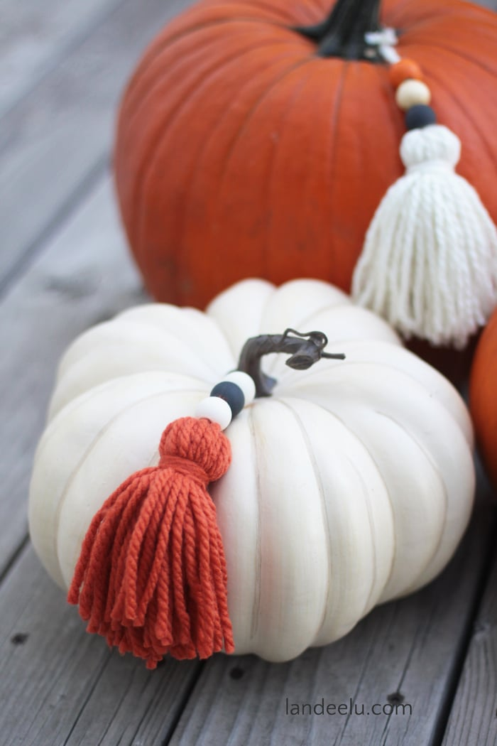 1-Hour Fall Craft Ideas: add some flair to your front porch pumpkins with these pumpkin tassels