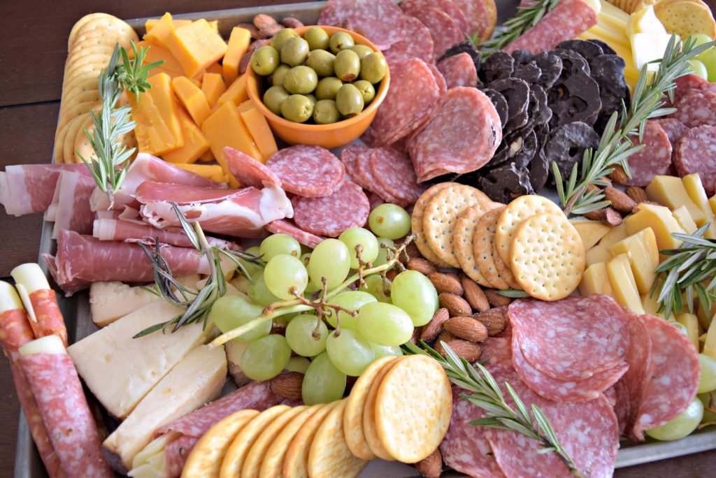 This is the easiest charcuterie you'll ever make! It's perfect for no bake recipe that you can make in just a few minutes! Click to see the recipe!