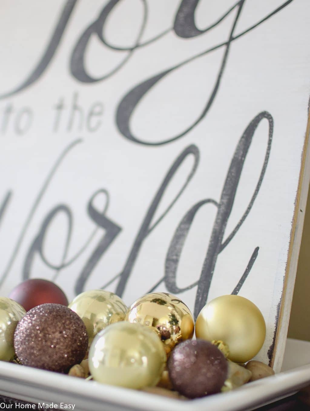 See the entire foyer decorated for Christmas!