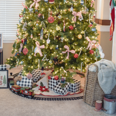 A Simple Rustic Christmas Tree  [Blog Hop]