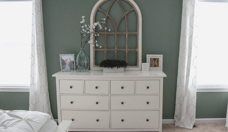 Green Walls Cream Furniture