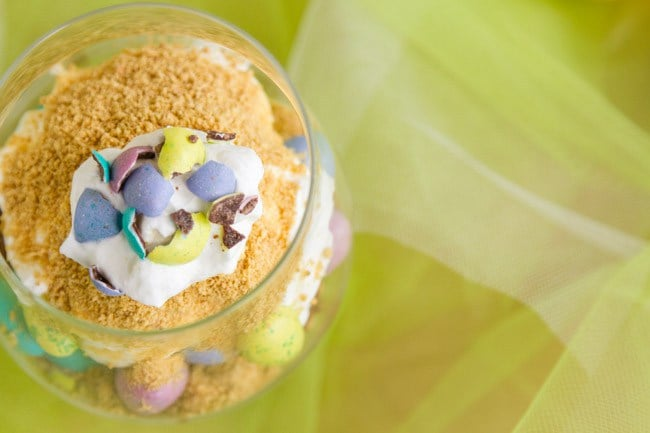 These pudding parfaits have Easter M&Ms and crushed graham crackers