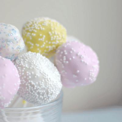 Super Easy Cake Pops [Easter Dessert Recipe]