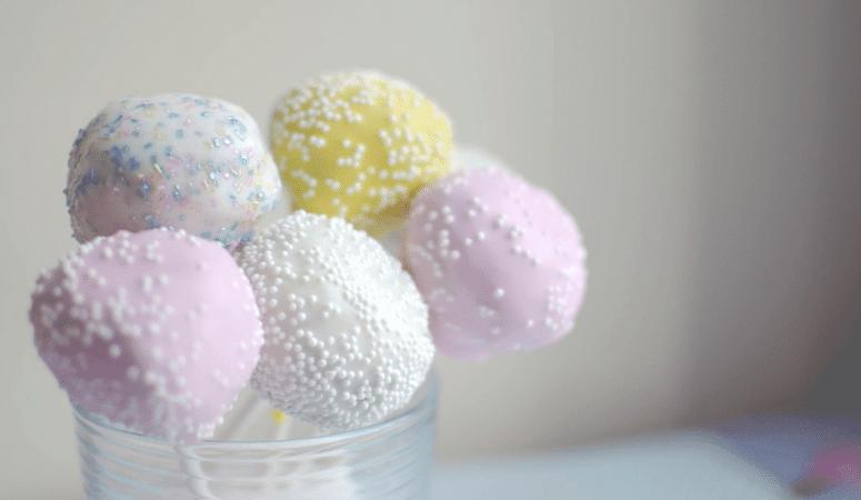 Super Easy Cake Pops [Easter Dessert Recipe]