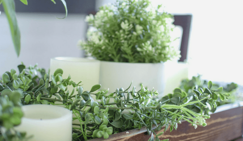 4 Steps to an Easy Spring Centerpiece