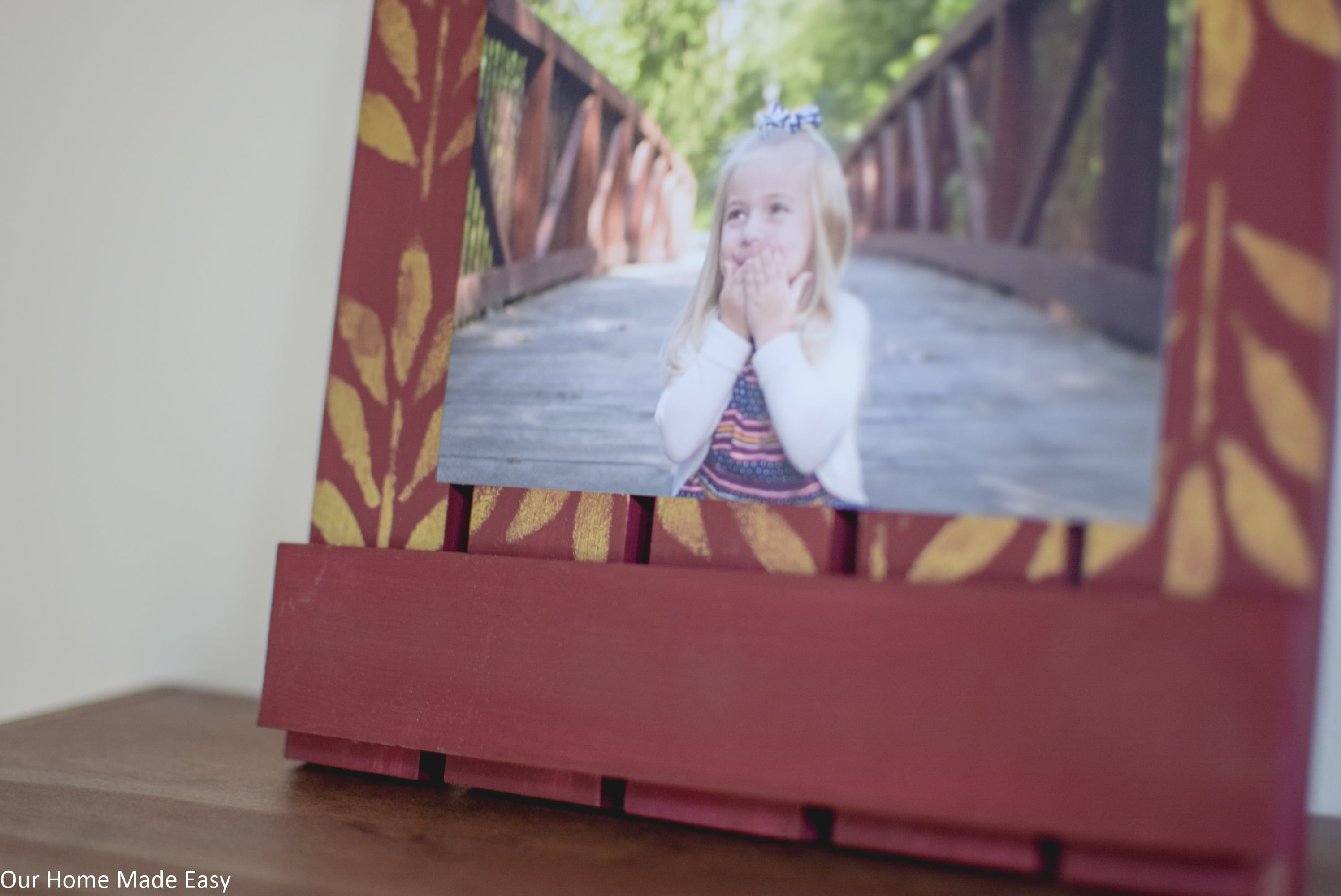This homemade wood picture frame is a simple DIY project
