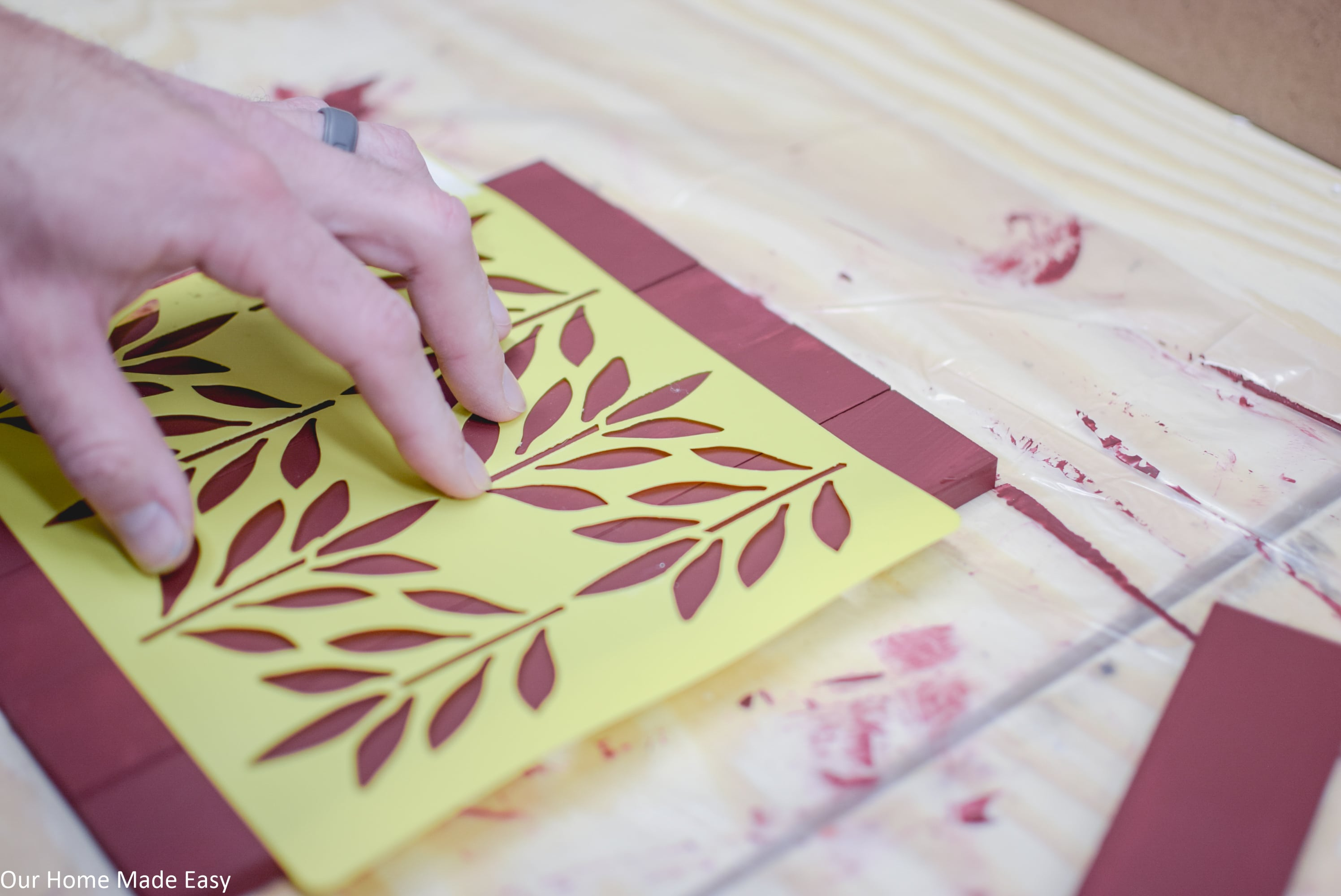 Use stencils to decorate your wood picture frame