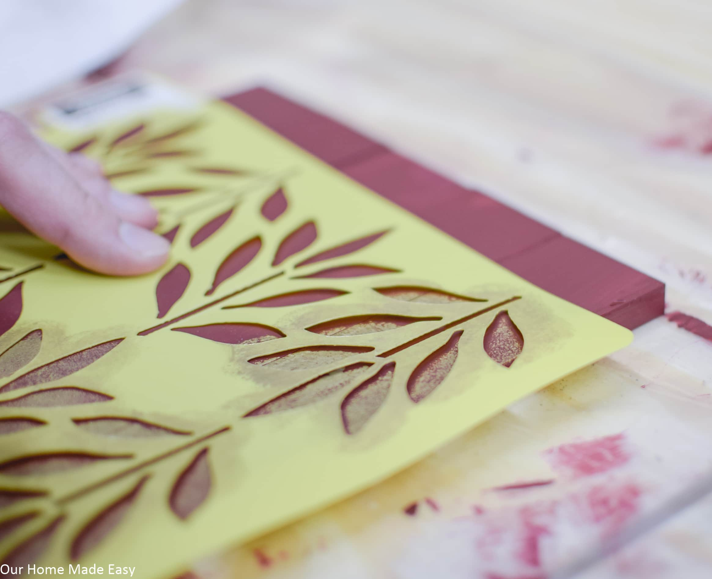 You can use patterned stencils to decorate your wood picture frame