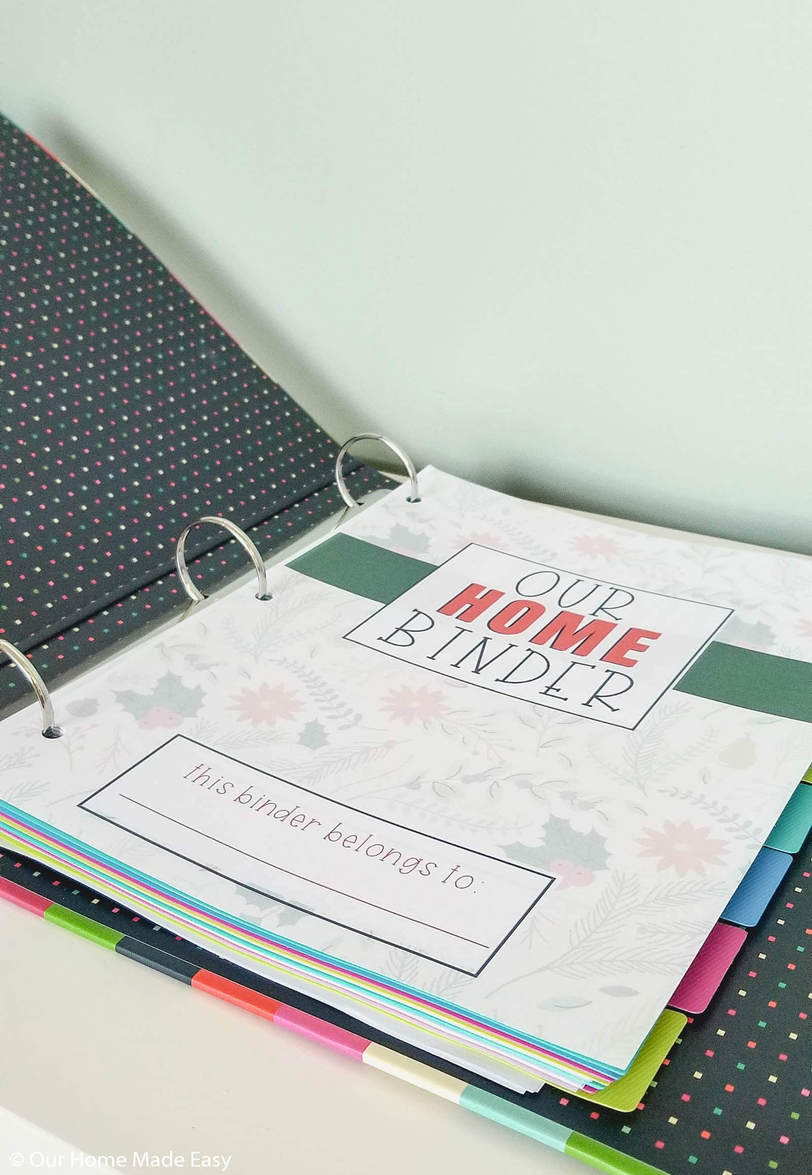 These Holiday Home Binder covers are a great way to update your Home Binder for the holiday season