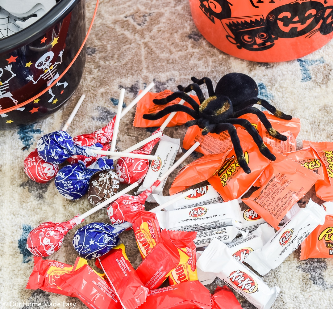 Create these You've Been Booed treat buckets to spread the spirit if Halloween with friends and neighbors!